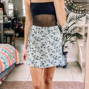 Vintage Y2K Floral flirty skirt
